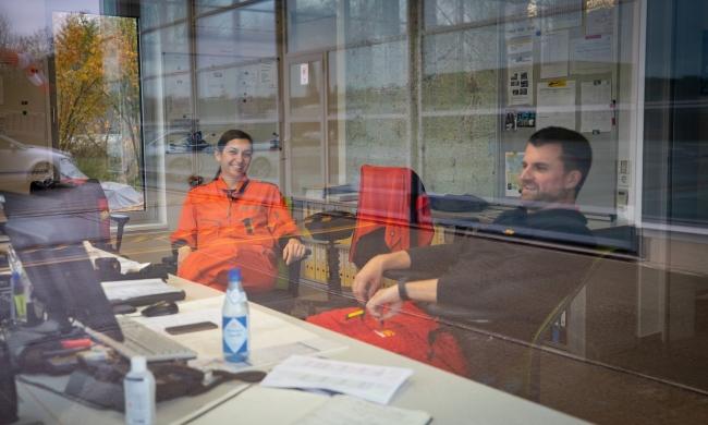 Notfallsanitäterin Claudia Reich und Pilot Marc Rothenhäusler